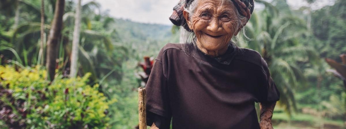Alte glückliche Frau